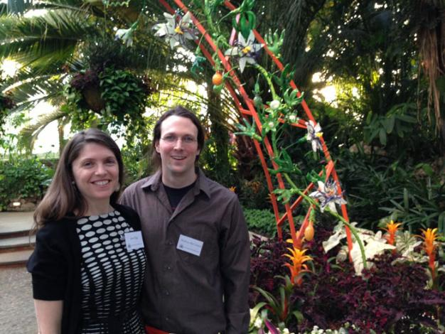 jenn figg and matthew mccormack together created passion flowers in glass vining around a handmade arch photo jsjordan - Vining Flowers